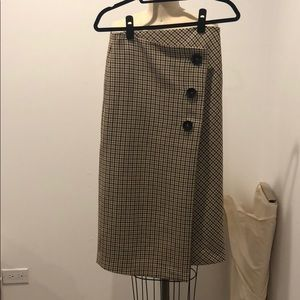 Super chic skirt for fall from Zara in XS size